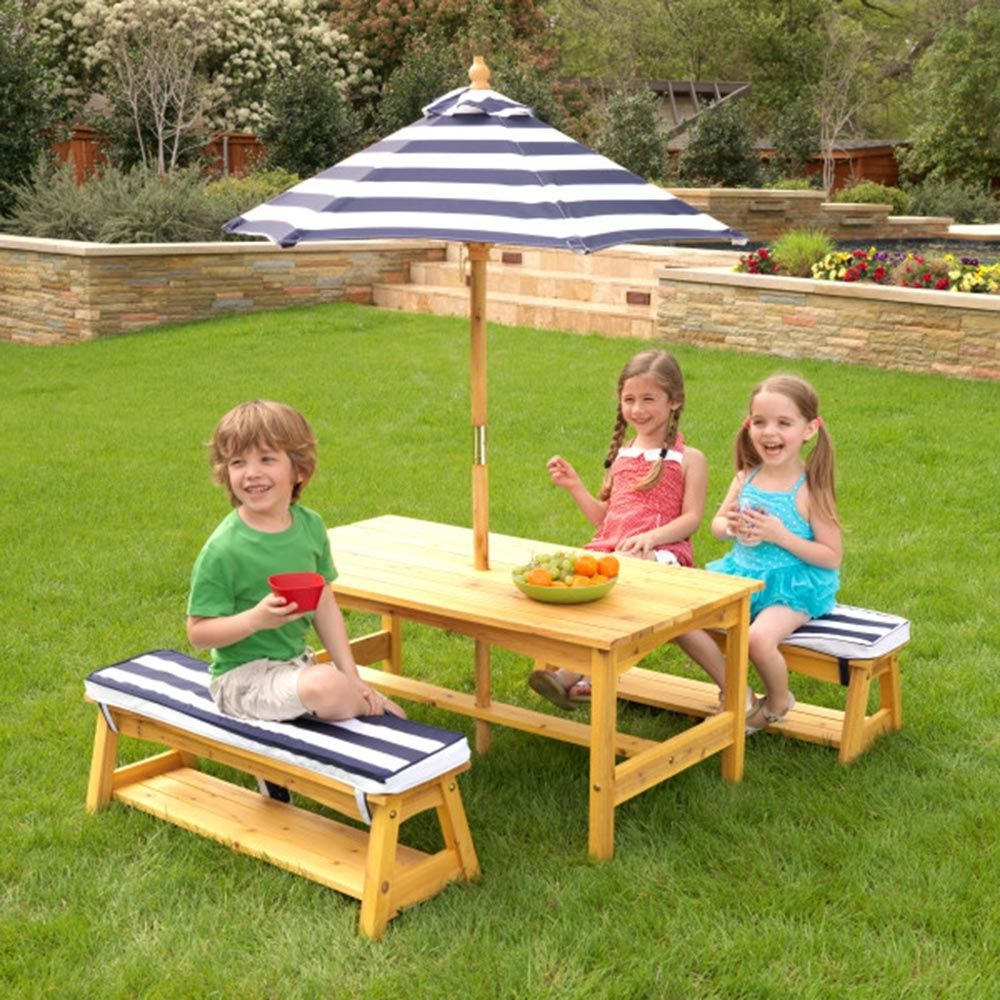 Table and bench set